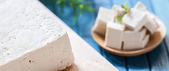 Tofu - Che cosa è e come si cucina - Vegolosi.it