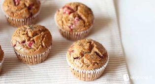 Muffin vegani fragole e rosmarino – VIDEO RICETTA