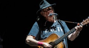 neil young milano