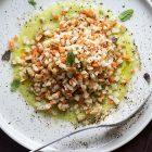 Insalata di sedano rapa con salsa all'ananas