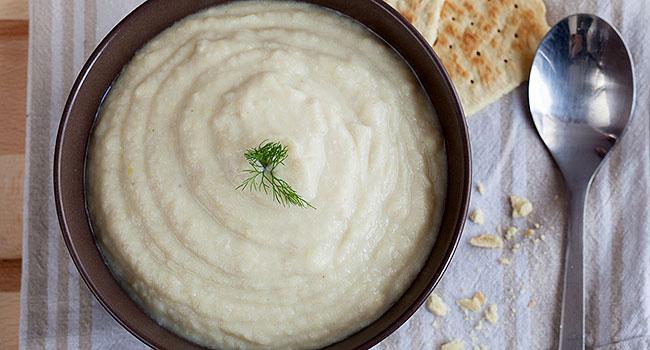 Crema di finocchi con yogurt di soia - ©Vegolosi.it