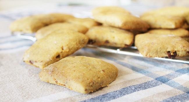 Biscotti Inzupposi alle Carote, Uvetta e Cannella