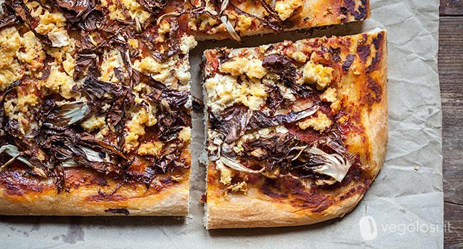 pizza vegana con tofu e trevisana