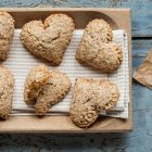 Biscotti vegani ripieni alle mele - Cuor di mela vegani