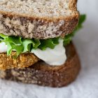 Burger vegani quinoa e lenticchie