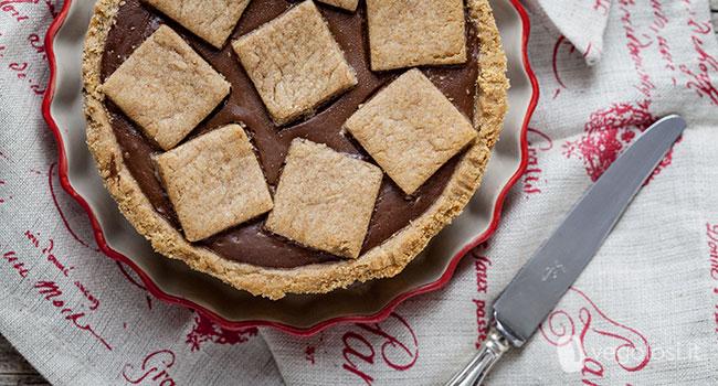 Crostata vegana con crema al cioccolato fondente