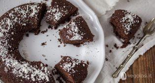 Ciambella vegana cacao e rosmarino