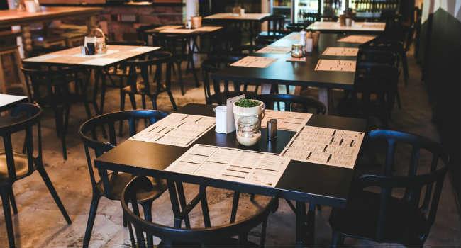 menu-restaurant-vintage-table-large
