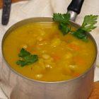 Zuppa-di-verza-e-patate-con-fagioli-cannellini-alla-curcuma2-1