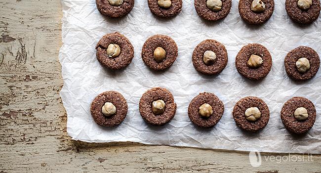 biscotti vegani cacao e nocciole