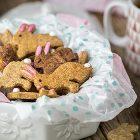 biscotti vegani di pasqua decorati a forma di coniglio