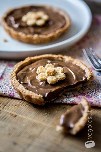 Crostatine con crema pasticcera vegan al cioccolato
