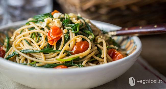Spaghetti Integrali Con Agretti Pomodorini E Capperi Ricette Con Gli Agretti