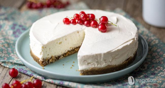 Torta fredda vegan allo yogurt senza cottura
