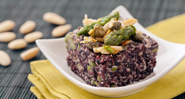 Ricette vegane con gli asparagi da provare assolutamente for Cucinare riso venere