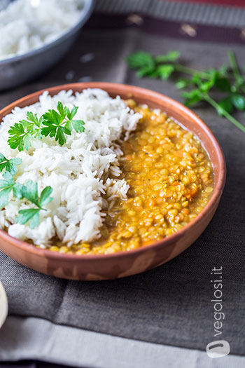 lentilhas com curry e arroz