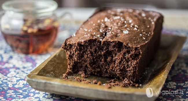 Plumcake vegano al cioccolato e fleur de sel