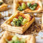 Pizzette di sfoglia con broccoli e patate