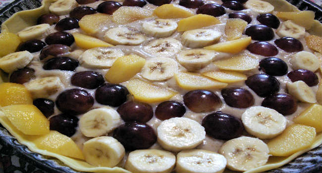 crostata vegana di frutta con crema pasticcera