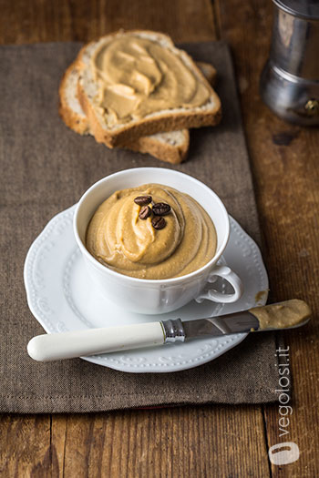 Hummus dolce al caffè