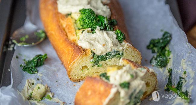 Baguette farcita, ripiena di broccoli, cime di rapa e crema di carciofi