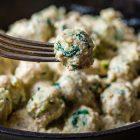 Gnocchi di cous cous agli spinaci con sugo alle noci
