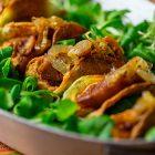 Tacos di patate ripieni di ceci, seitan e cipolle caramellate
