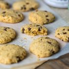 Cookies vegani senza glutine con gocce di cioccolato