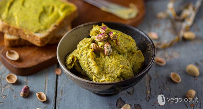 Hummus ai pistacchi e timo