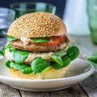 Burger di Quorn con crema di melanzane alle mandorle