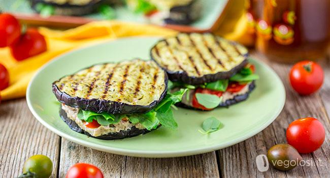 Ricetta Melanzane Vegetariana.Ricette Vegane Con Le Melanzane 15 Idee Per Cucinarle In Modo Facile