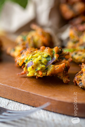 Pakora di verdure con crema al curry