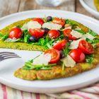 Pizza senza glutine di zucchine ai pomodorini e rucola