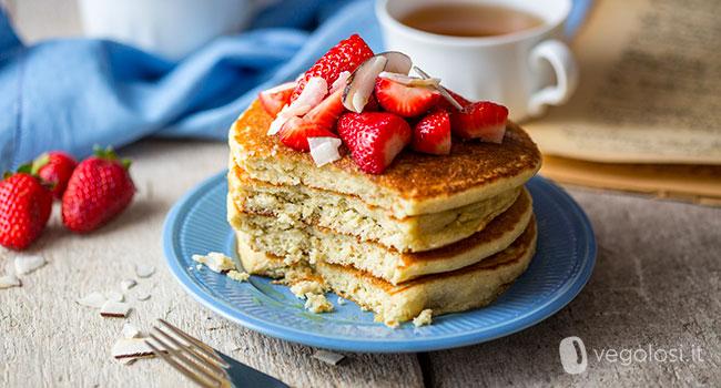 Pancake vegani senza glutine alla quinoa e cocco