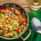Quinoa con ceci e peperoni al miso