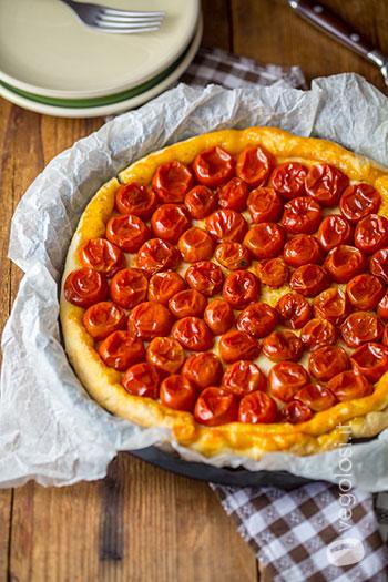 Tarte tatin vegan ai pomodorini e vaniglia