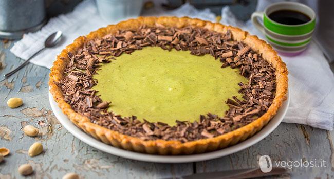 Crostata di frolla allo yogurt con pistacchi e cioccolato