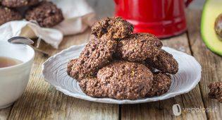 Biscotti al cacao e avocado vegani