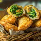 Panzerotti fritti ai friarielli e tofu