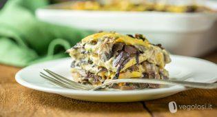 Lasagne di polenta vegan al radicchio e funghi