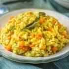 Risotto alle carote, curcuma, peperoncino e salvia