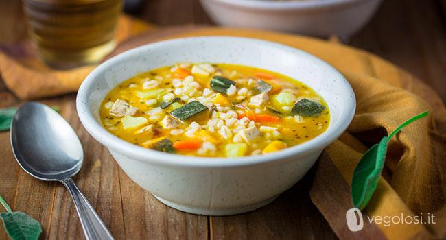 Zuppa d'orzo con patate, zucca e tofu affumicato