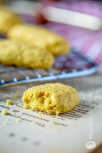 Biscotti con farina di lupini e nocciole vegani