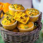 Muffin alla zucca e frutti rossi