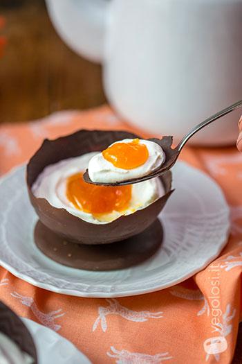 Ovetto di cioccolato ripieno