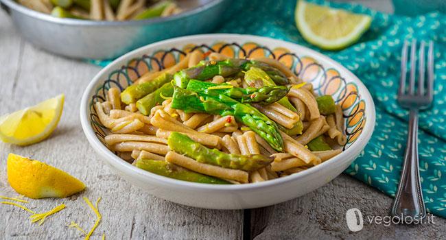 Pasta agli asparagi e limone