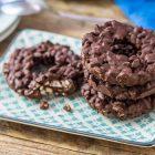 Ciambelline di cioccolato fondente al riso soffiato