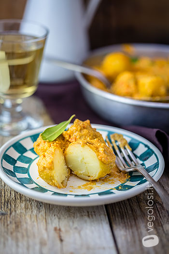 Dum aloo (Curry di patate)
