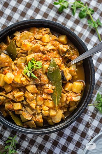 Goulash di funghi e patate