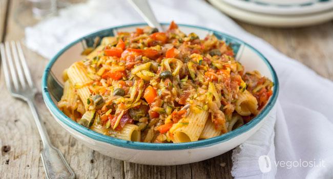 Pasta con ragù di zucchine